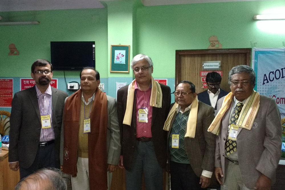 Dr Somdutt Prasad with other speakers of the CME